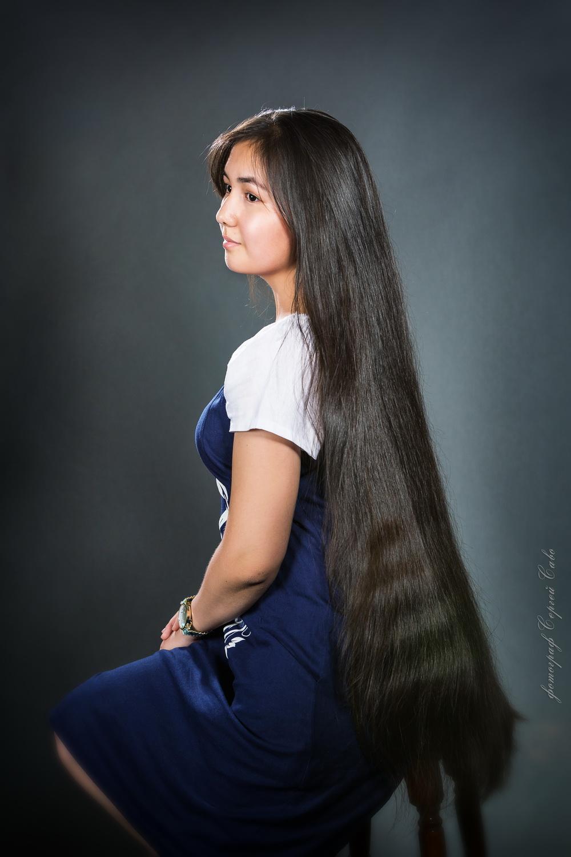 Фото красивой девушки с длинным волосом