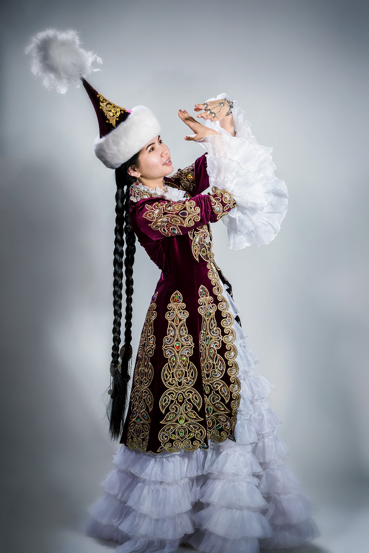 Фотосессия в казахском костюме Алматы