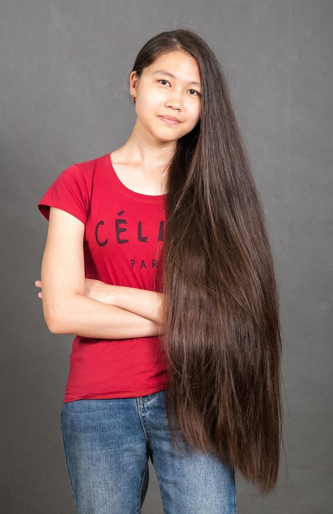 сдать волосы девочки за деньги в салоне Тараз, Павлодар, Актобе, Усть-Каменагорск
